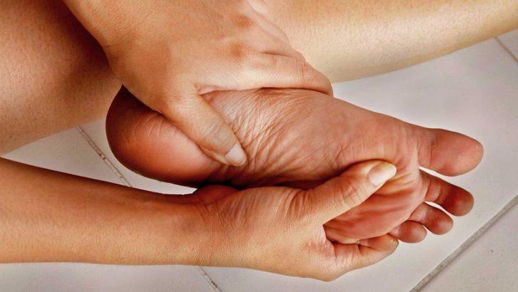 Valu peamine liigend Poletiku ravi sormede liigestes
