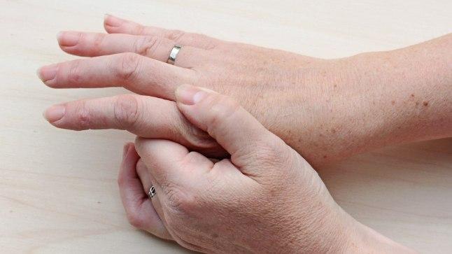 Kartuliprotsessid liigesest valu Anesteetiline spin haiget