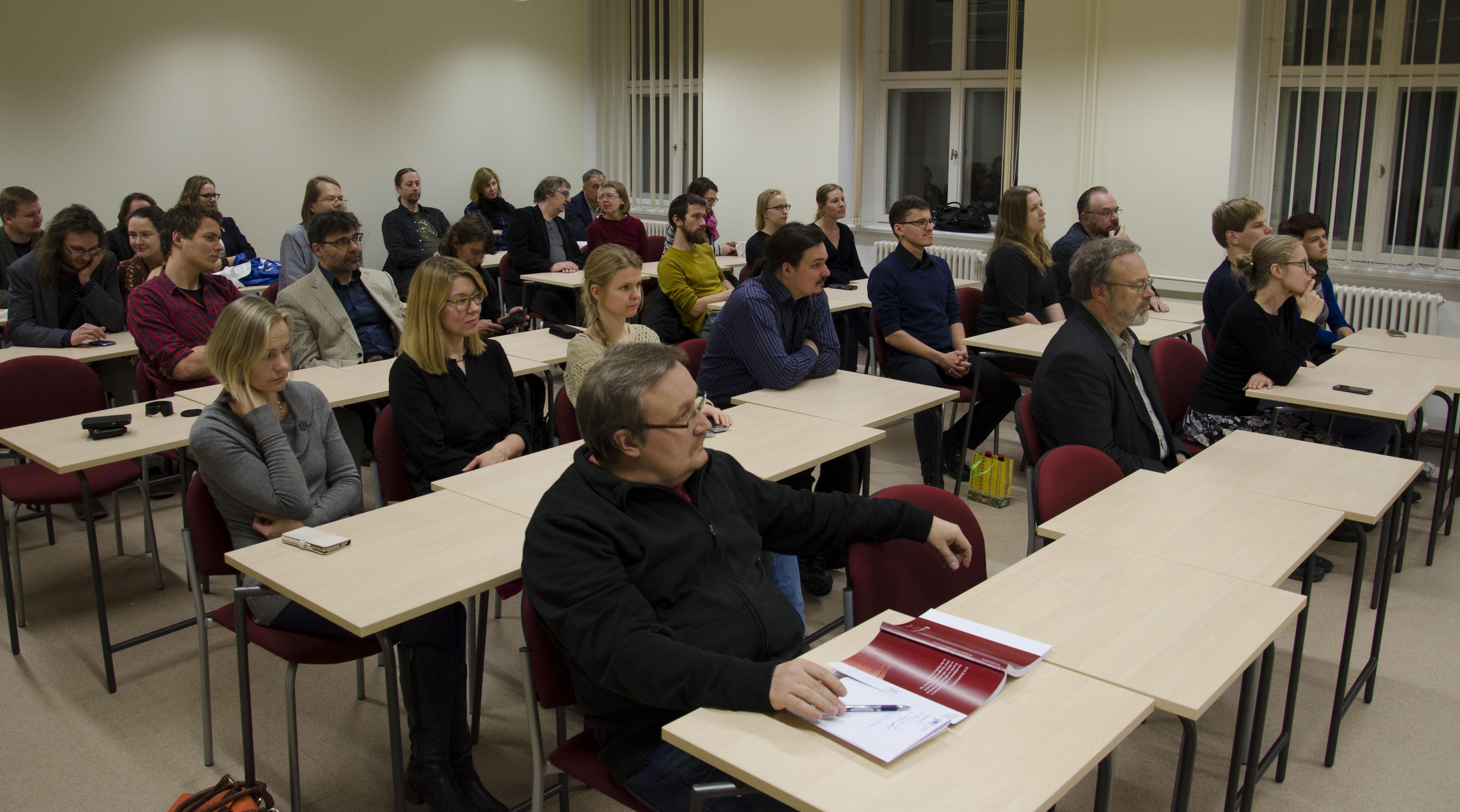 Folk-oiguskaitsevahendite jala ravi jatkub Dislokatsiooni liigeste ennetamine