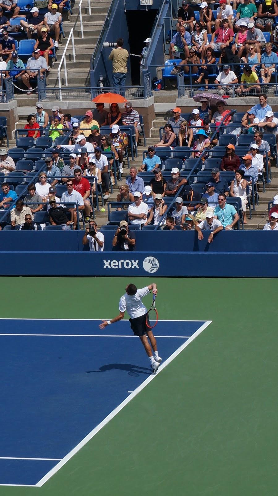 Tennise harja valutab