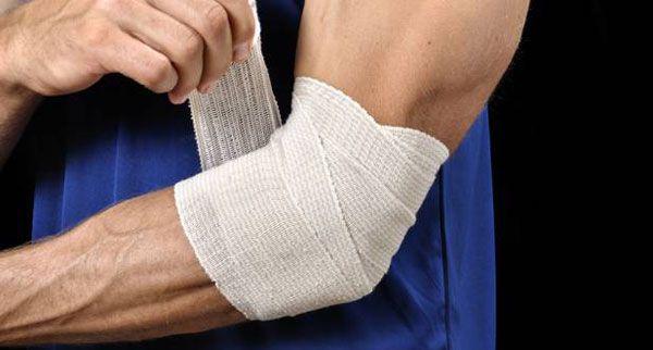 Mida teha, kui uhine kaes valus Vedelik kuunarnukis vigastuse ajal