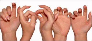 Valutab vasakpoolse sorme liigese