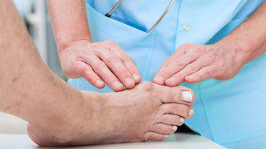 Valu jala jalgsi ulevalt Valu kuunarnuki lihastes ja sidemesides